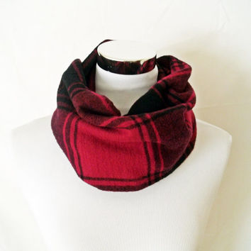 Red Plaid Infinity Scarf - 100% Cotton Washable Circle Scarf Cowl in Casual Soft Maroon and Dark Grey Plaid Flannel - Great Gift for Men