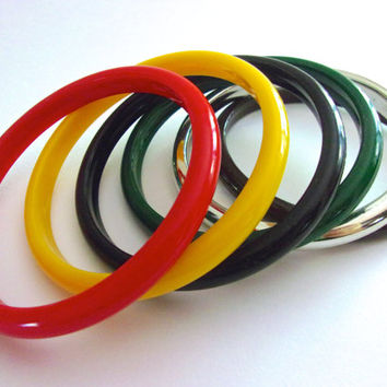 Bongo Bangles BEAU JEWELS Plastic Set of Six 6, Multi Colors, Vintage
