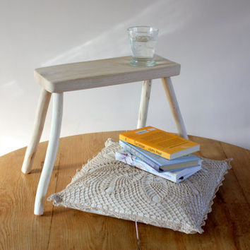 Small side table - Reclaimed wood furniture - Small wooden bench - stool for kitchen, garden or living room - Scandinavian design