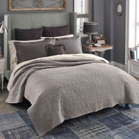 Beekman 1802 Bellvale Double Cloth Quilt in Taupe