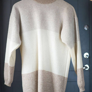 Lambswool Sweater Women Vintage. Camel shades long sweater 90s. Women sweater Size M Italy made. Beige sweater turtle neck pastel colors