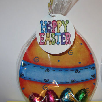 EASTER EGG FAVORS,candy,treat bags.  Bags included