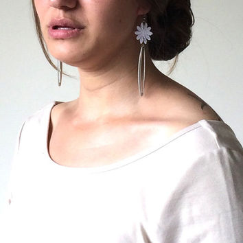 Lace Drop Earrings, Bridal Daisy Flower Earrings, Geometric Metal Dangle Earrings, Lace Jewelry, Wedding Jewelry, Women's Gift, ReddApple