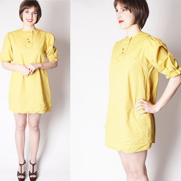 60s Short Cotton Mustard Smock Babydoll Dress with Novelty Apples / Short Mustard Dress / Yellow Dresses / Vintage Yellow Dress / 2089