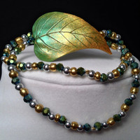 Handcrafted Green and Gold Leaf Beaded Stretch Bracelet