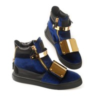 Indie Designs Oversized Plate Over Velvet High Top Sneakers