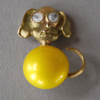 Vintage JJ Dog Brooch Jonette Jewelry Figural Googly Eyes Yellow Pearl Cabochon Gold Tone 1970's // Vintage Designer Costume Jewelry