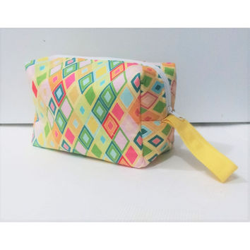Geometric Cosmetic Bag, Makeup Bag, Makeup Pouch, Wristlet Bag,  Makeup Bag, Diaper Clutch pouch, Large Pencil Pouch