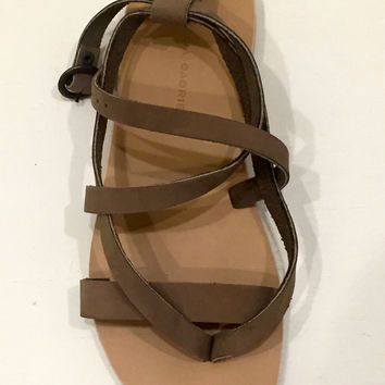 valia gabriel salinas leather sandals