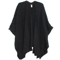 Echo Texture Ruana Wrap in Black | Les Pommettes