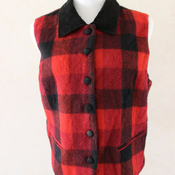 Vintage Buffalo Plaid Flannel Vest // Red and Black Checkered Pattern // Women's