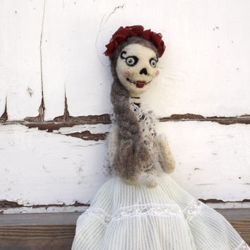 Halloween Bride -  Dia de los muertos Scary doll -  Creepy Bridal doll, mexican style, Collectible art doll  - needle felted, red rose