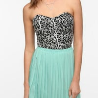 Urban Outfitters - Lucca Couture Sweetheart Bustier Top