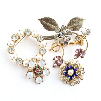 Vintage Rhinestone Brooch Lot - 5 Gold Tone Hollywood Regency Costume Jewelry Pins / Colorful Lot