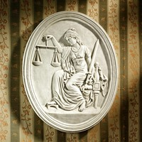 """""""Old Bailey Courthouse Lady Justice"""" Wall Sculpture"""