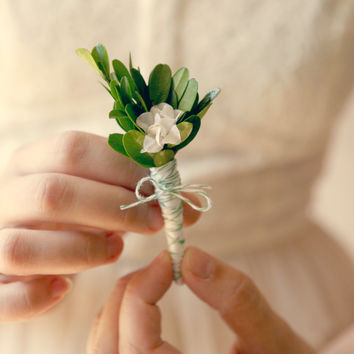 natural boutonniere, wedding keepsake, buttonhole - GARDEN GREEN