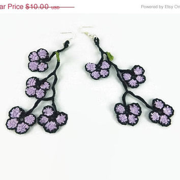 Mothers Day Sale Extra Long Dangling Oya Flowers crochet earrings, Lilac  and Black, Statement earrings, Fun earrings, Fiber Jewelry, Boho e