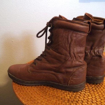 Vintage Maine Woods Lace up Boots ~ Soft Brown Leather Granny Boots  Size 6 1/2