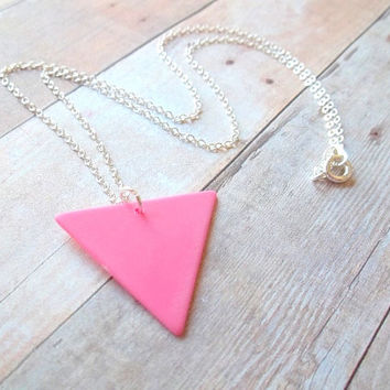 G E O - Bright Hot Pink Vintage Plastic Triangle Pyramid Geo Shape Charm Pendant Silver Plated Necklace