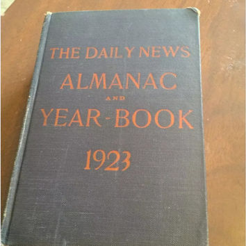 The Daily News Almanac and Year-Book 1923. Awesome Chicago find! 40+ pgs of local advertisements.