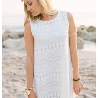 Farin - Sleeveless lace detailed quilted dress with lining.