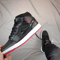 Air Jordan 1 Retro New Black/Red