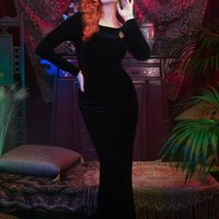 Laura Byrnes California Beatrix Gown in Black Velvet