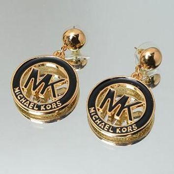 MK Fashion Elegant Round Shape Stud Earring