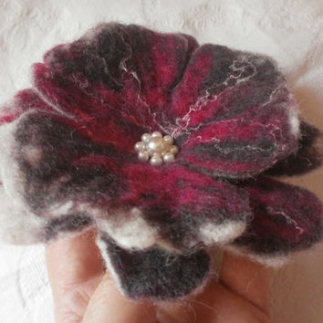 Wet felt brooch flower,felt brooch.wool flower red poppy brooch,felt jewelry, accessories,hair pin,scarf,dress,bag,hat, anniversary gift her