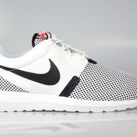 Nike Men's Roshe Run One NM Breeze Hot Lava