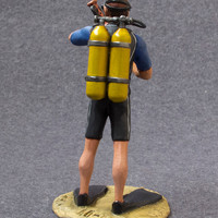 Collectible Action Figures Diver with Vase 1/32 Scale Hand Painted 54mm Tin Metal Miniature Toy Soldier Statue - Free Shipping