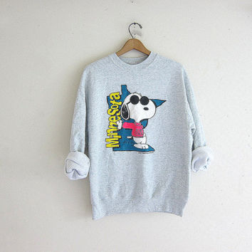 vintage PEANUTS sweatshirt. Gray Minnesota Joe Cool Snoopy sweater