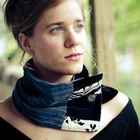 Black and blue velvet cowl from Bouche cousue by karinec on Etsy