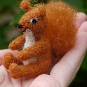 needle felted squirrel, miniature squirrel, autumn decoration, needle felted animal, miniature animal, christmas gift, woodland animal gift