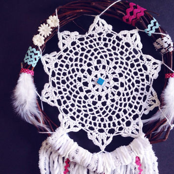 Bohemian pink Dream catcher, wreath Dreamcatcher, crochet doily dreamcatcher, boho home decor,lace dreamcatcher wall hanging