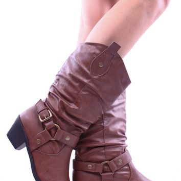 BROWN FAUX LEATHER CLOSED TOE COWBOY BOOT