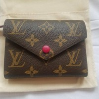 New 100% Authentic Louis Vuitton Victorine Fuchsia Pink Monogram Small Wallet