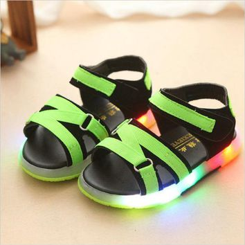 2017 New Summer Kids LED Sandal with lights chaussure enfant Sandals Children Luminous Shoes Baby Boys Sports shoes for girls