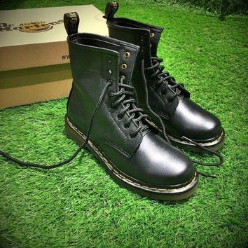CREYNW6 Sale Newest Dr. Martens Modern Classics 1460 Retro Black Leather Boots 524952-1