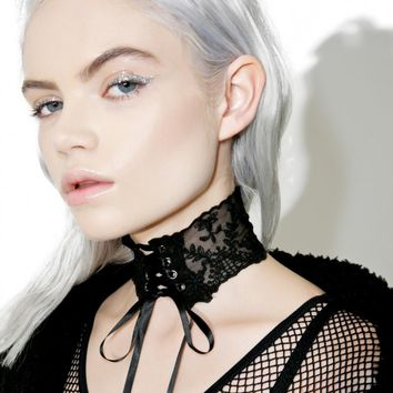 Vampira Lace-Up Choker