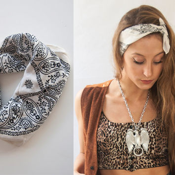 White Paisley Bandana scarf headband / Western head scarf 1950s Retro Rockabilly head band / classic American style outfit