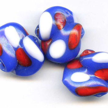 Vintage Red White Blue Glass Japanese Snail by picklevalentine