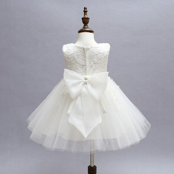 Vintage Baby Girl Lace Christening Gown 2017 Newborn Baby Girls First  Birthday Gift Big Bow Little Princess Tulle Tutu Dress