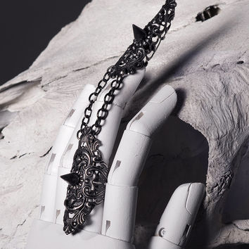Black Couture Spiked Ring with Claws