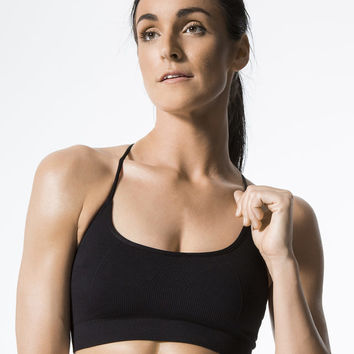 Barre Seamless Medium Support Sport Bra in Black