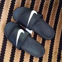 """""""Nike"""" Summer Fashion Casual Hook Sandals Beach Home Slippers Shoes"""