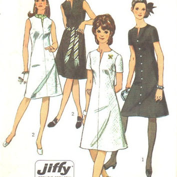 Retro 70s Sewing Pattern Simplicity Basic A-line Tent Dress V Neck Short Sleeve Easy to Sew Jiffy Bust 34 Uncut