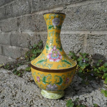 Antique Chinese wireless cloisonné vase - Qing dynasty 19th century famille rose on yellow ground Chinese metalwork
