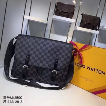 Kuyou Lv Louis Vuitton Gb29714 M41500 Christopher Black Messenger Bag 33x 28x 8cm