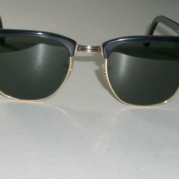 cc8dbf244297 1970s VINTAGE BAUSCH  LOMB RAY BAN W0365 BLACK GOLD BLEND CLUBMASTER  SUNGLASSES